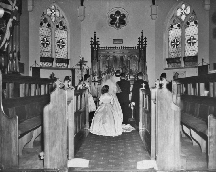 Wedding at Holy Trinity, Port Melbourne in 1960 (PMHPS Collection)