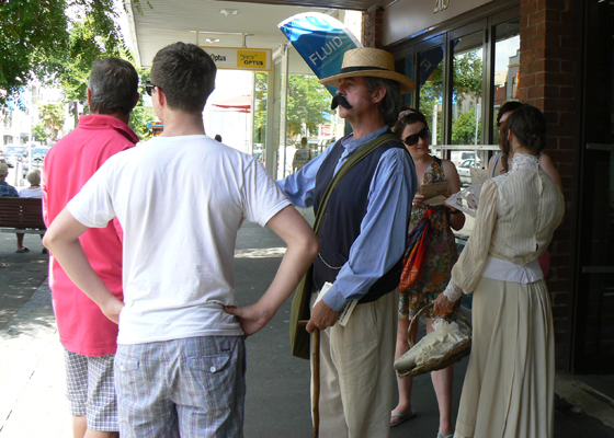 Wilbraham and Caroline Liardet return to Bay Street in 2009.  PMH&PS Collection.