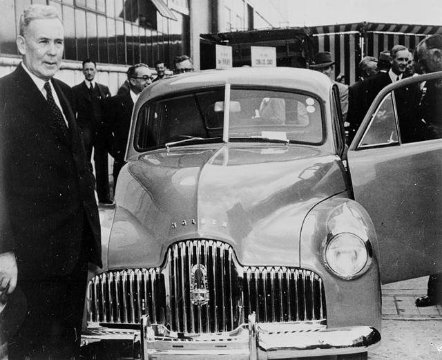 PM Ben Chifley at General motors Holden Factory1_3095785_tcm11-18264 (640x521)