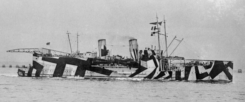 800px-HMS_Nairana_SLV_AllanGreen