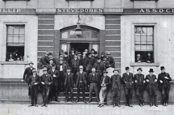 Members of the Port Phillip Stevedores Association, 1905